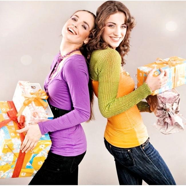 Что подарить близкой подруге?